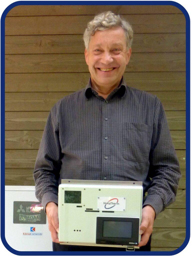 Horst Grüning mit Wärmepumpe und Regelung